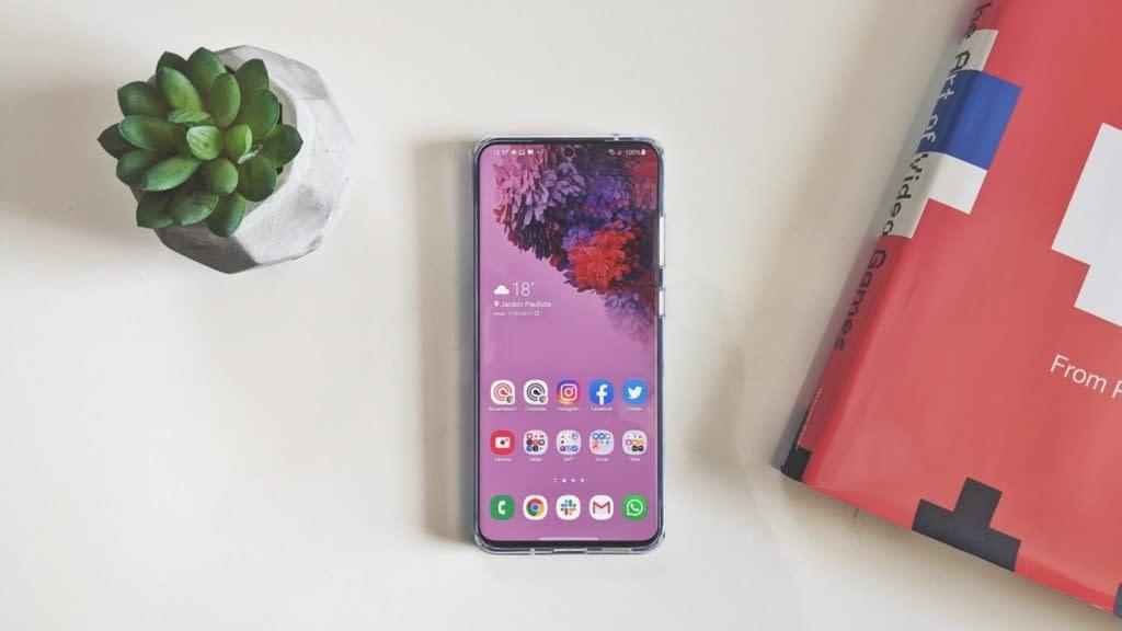 Samsung Galaxy S20 Ultra traz câmera e tela espetaculares
