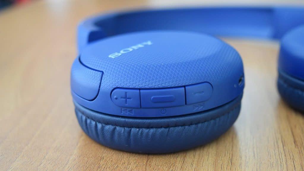 Sony WH-CH510 é o modelo de entrada com poucos extras e som poderoso
